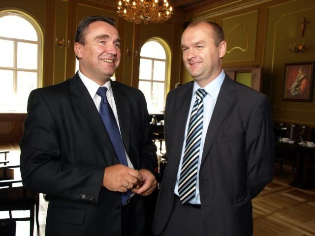 Janusz Wiczkowski i Rafał Gierszewski na razie zostają w szeregach bytowskiej Rady Miejskiej