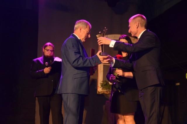 Nowy Dwór Gdański. Już po raz 27 wręczono Nagrody Burmistrza Nowego Dworu Gdańskiego. Prezentujemy sylwetki tegorocznych laureatów.