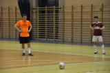 15. kolejka Futsal Ligi w Gołuchowie. Kuchary zdały kolejny egzamin. Tym razem poradziły sobie z Amatorami. Bloki i Tursko też zwycięskie