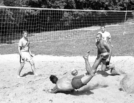 Podczas siatkarskich mistrzostw walczono o niemal każdą piłkę.