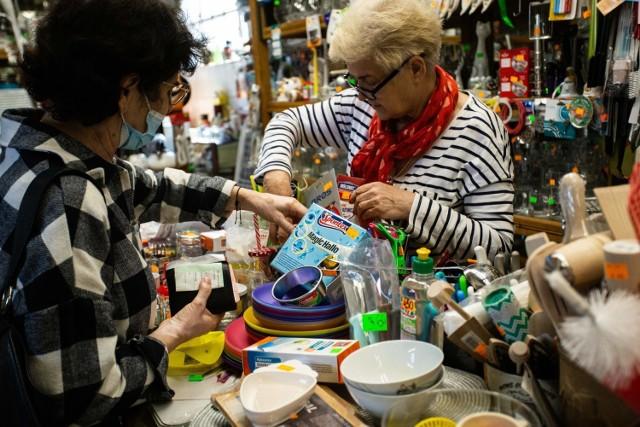 Pani Wiesława Krause prowadzi sklep w Hali Targowej od 25 lat