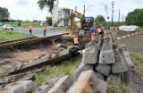 Cieślin. Remont przejazdu kolejowego na trasie Inowrocław-Pakość. Obowiązuje objazd [zdjęcia]