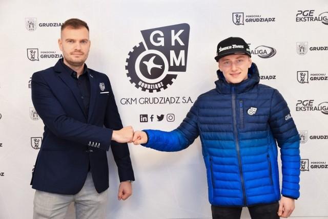 M. Bartkowiak (z prawej) wypożyczony na rok ze Stali do GKM