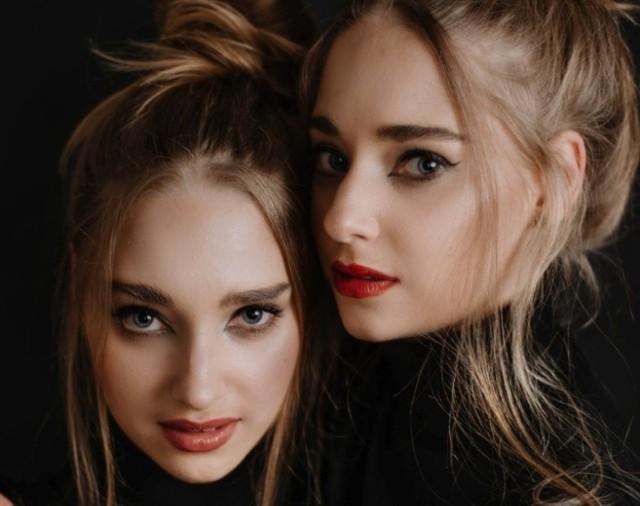 Piękne bliźniaczki podprowadzają żużlowców w czasie meczów w Rybniku. Poznajcie je!   Zobacz kolejne zdjęcia. Przesuwaj zdjęcia w prawo - naciśnij strzałkę lub przycisk NASTĘPNE