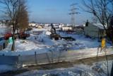 Rozbudowa szkoły w Kokoszkach [WIZUALIZACJE]. Placówka niemal dwukrotnie się powiększy