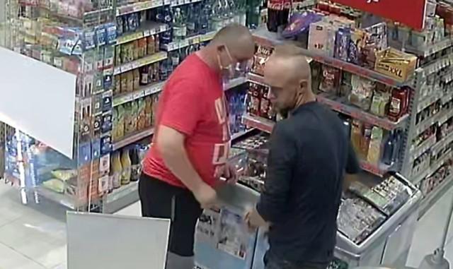 Policja poszukuje tych dwóch mężczyzn