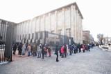 Muzeum Narodowe. Kolejka aż po horyzont. Ale tłumy ruszyły także do innych muzeów. Efekt darmowych biletów?