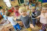 Więcej miejsc w żłobkach i przedszkolach, ale czy rodzice będą chcieli puścić do nich dzieci?