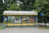 Gołuchów. Przystanek w centrum miejscowości z lokalnymi atrakcjami