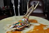 Licytuj oryginalną czaszkę jelenia zaprojektowaną przez Martę Hołderną dla Wielkiej Orkiestry Świątecznej Pomocy!