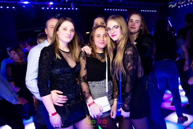 Kolejna karnawałowa impreza w Bajce już za nami. Zobaczcie, jak bawili się torunianie w minioną sobotę w popularnym klubie na starówce!  Polecamy: Studniówka I LO w Toruniu Saturday Night Fever w Arsenal Prestige Club