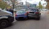 Pościg ulicami Łodzi! Podczas ucieczki przed policjantami rozbił trzy samochody