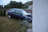 W Zbożu koło Sępólna Krajeńskiego kierowca z Ukrainy uderzył w dom. Był pijany! Mamy zdjęcia z miejsca wypadku