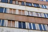 Słynny wieżowiec przy Młodej 4 w Kielcach szybko nie zniknie. Nie ma gdzie wykwaterować lokatorów [ZDJĘCIA]