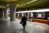 Metro Warszawskie. Zmienią się nazwy stacji na drugiej linii? Pojawiły się petycje w tej sprawie