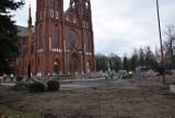Remont przy bazylice mniejszej w Zawierciu - zostanie odnowiony plac przed kościołem