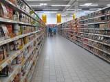 Kolejna wielka sieć sklepów otworzy się w niedziele. Także w Warszawie. Tego chcą Polacy?