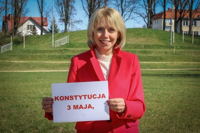 Akcję tworzenia 230 słów o Konstytucji 3 maja rozpoczęła pani Burmistrz Danuta Madej. Kto następny?