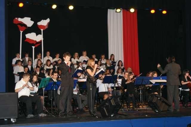 W Miejskim Domu Kultury wystąpiła Orkiesta i Chór OCH.