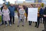 Rodzice domagają się przywrócenia pediatrii w Szpitalu Powiatowym w Radomsku [ZDJĘCIA]