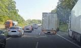 Korytarz życia na autostradzie A6. Nie wszyscy kierowcy zjeżdżają na bok. Ratownictwo Medyczne Pyrzyce apeluje