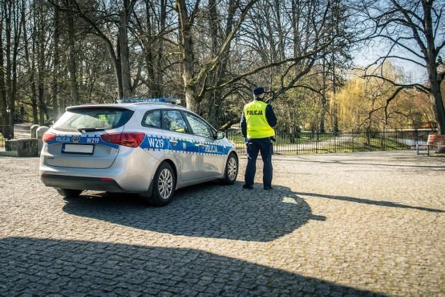 Ostrów: policja apeluje o przestrzeganie zasad.