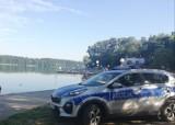 Libacja na plaży w Wągrowcu. Wezwano policję. U jednego z uczestników policjanci ujawnili woreczki z marihuaną