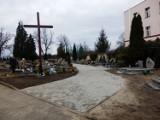 Nowa nawierzchnia alejek na cmentarzu komunalnym w Ruszowie