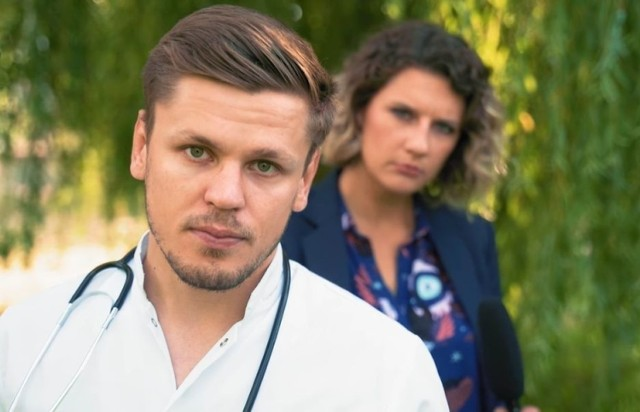 """Gdańsk promuje sprzątanie po psach... na wesoło. Akcja """"Lepiej... posprzątaj"""" z udziałem znanych standuperów"""
