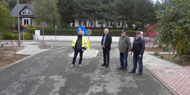 Gmina Golub-Dobrzyń od lat podejmuje działania związane z utwardzaniem ulic na osiedlu Ruziec. W tym roku stara się o wsparcie na przebudowę ul. Truskawkowej o długości 259m. Zadanie jest na liście rezerwowej FDS
