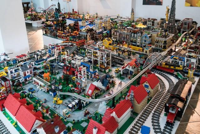 W muzeum powstała prawdziwa metropolia z klocków