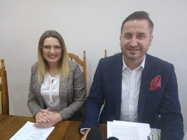 Wiceprzewodnicząca Rady Miasta, Joanna Winiarska i przewodniczący Kamil Suchański informują, co wydarzy się nas sesji 16 stycznia.