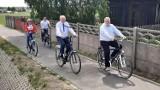 Gmina Ceków Kolonia. Otwarto kolejny odcinek ścieżki rowerowej wzdłuż drogi wojewódzkiej 470. ZDJĘCIA