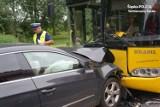 Wypadek w Siemianowicach Śląskich. Zderzenie osobówki z autobusem na Michałkowickiej [ZDJĘCIA, WIDEO]