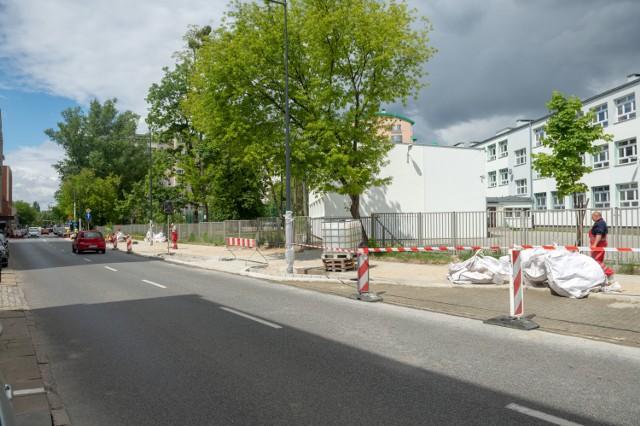 Bezpieczne przejście dla pieszych i nowe chodniki. Ulica Żytnia przejdzie metamorfozę