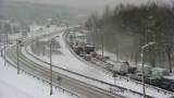 Fatalna sytuacja na drogach w Małopolsce. Zakopianka stoi, korki na A4, DK 52 [ZDJĘCIA, MAPA UTRUDNIEŃ]