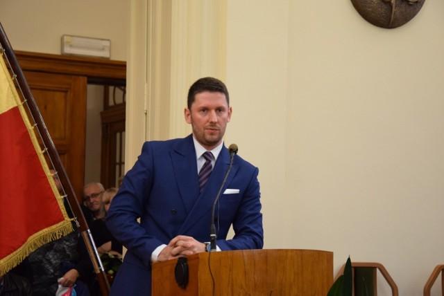 Rafał Ł. to radny Rady Miejskiej w Świętochłowicach. W poprzedniej kadencji był przewodniczącym rady