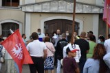 Nowy Tomyśl. Zrezygnowano z marszu, jednak odbyło się spotkanie pod kościołem [ZDJĘCIA]