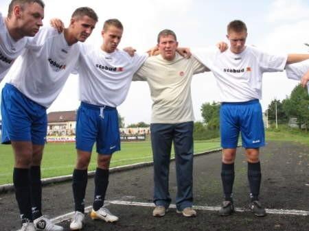 Marek Wirkus (w środku). Fot. Wojciech Piepiorka
