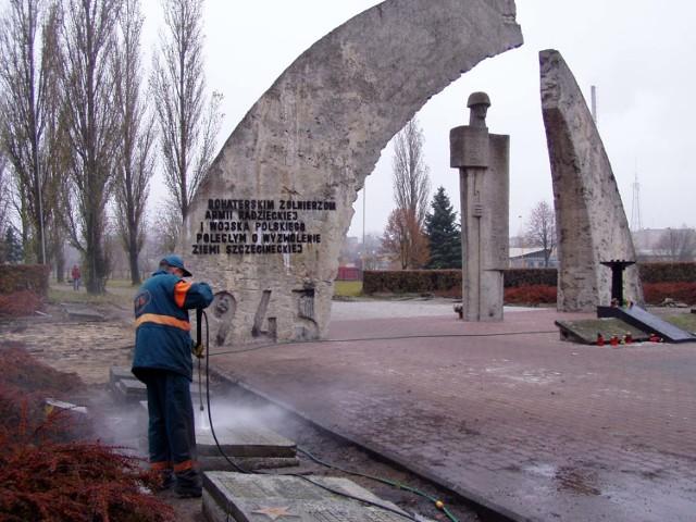 Renowacja cmentarza żołnierzy radzieckich w Szczecinku