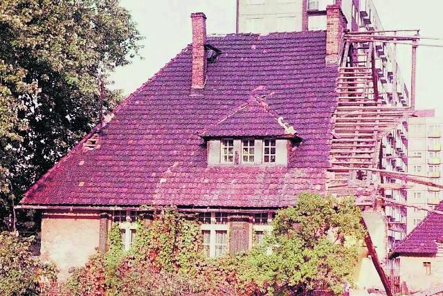 W tym domu, częściowo zburzonym, rodzice Henryka Pusza trwali tak długo, jak było to możliwe