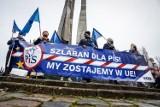 """""""Zostajemy w Europie! Jesteśmy Europejczykami!"""" Protest na ulicach Gdańska 5.12.2020. Hasła przeciw rządom i decyzjom Zjednoczonej Prawicy"""