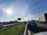 Jastków: Dramatyczny wypadek na drodze S12. Zablokowana trasa z Lublina do Warszawy. Utworzył się kilkukilometrowy korek