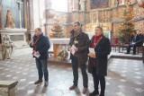 Kościół garnizonowy w Kaliszu opanowany przez turystów. ZDJĘCIA