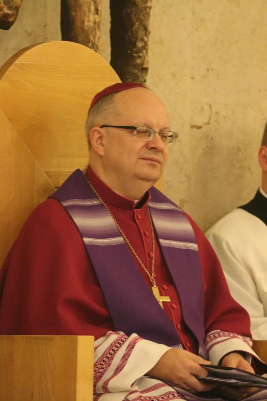 biskup diecezjalny opolski od 2009 roku