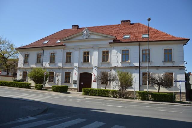 Akt oskarżenia przeciwko wójtowi gminy Rzezawa trafił do Sądu Rejonowego w Bochni