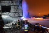 """Restauracja """"Myśliwska"""" w Skarżysku została podpalona, prawdopodobnie przez dwóch nastolatków. Policja w akcji"""