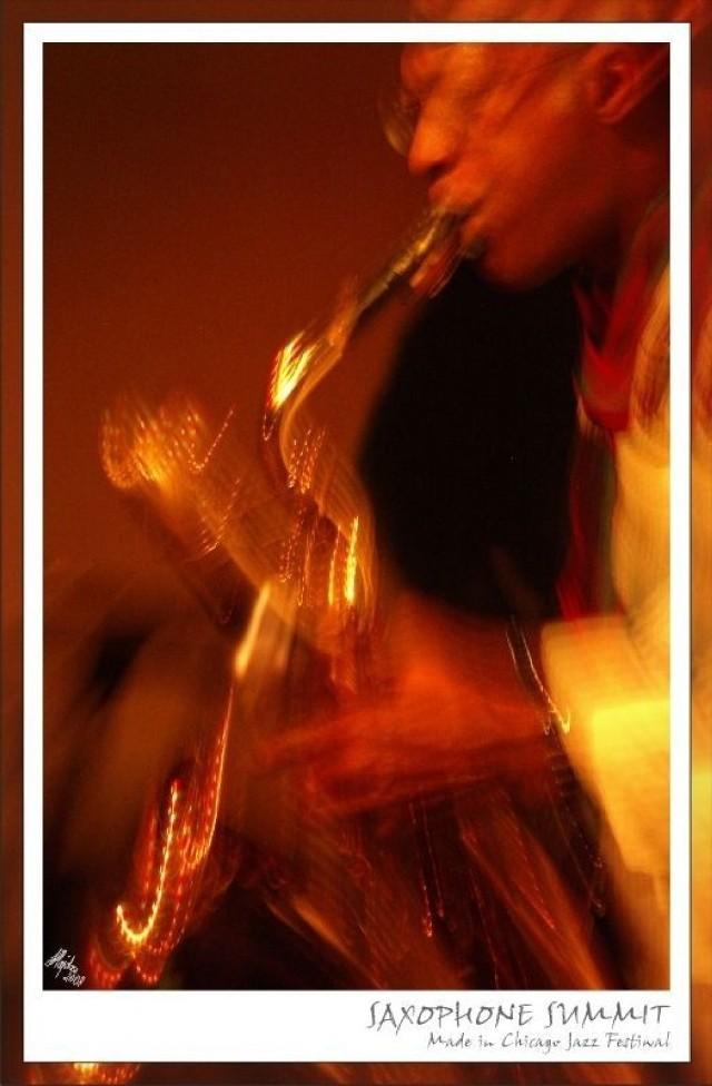 Pomysłodawcami i inicjatorami festiwalu byli Wojciech Juszczak z Estrady Poznańskiej i Lauren Deutsch z Jazz Institute of Chicago. [na zdjęciu Mwata Bowden na koncercie w klubie Blue Note w Poznaniu]. Fot. Andrzej Hajdasz