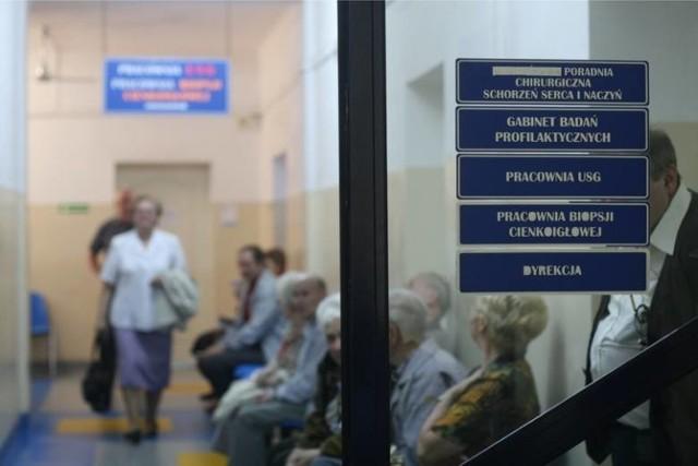 Problem niestawiania się na umówione wizyty lekarskie wciąż rośnie. Jednak zdaniem przedstawicieli szpitali, nie powinien być on karany. Jak twierdzą, lepszym rozwiązaniem jest pouczanie