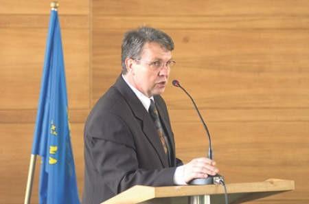 Zamieszanie wokół starosty Mirosława Kożdonia trwa już kilka tygodni.